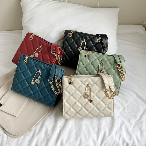 Chain Lingge Wild One Shoulde  Messenger One Shoulder  Large Capacity Bag NHLH253663's discount tags