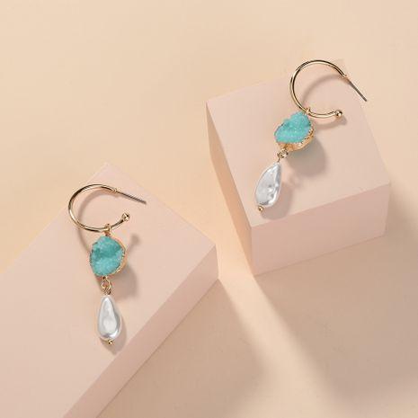 Pendientes de gancho para la oreja en forma de C de perlas de cristal verde claro elegantes de venta caliente al por mayor NHAN254186's discount tags