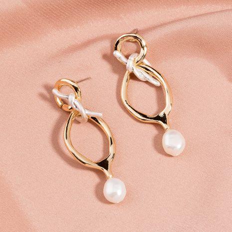 vente chaude boucles d'oreilles en forme spéciale boucles d'oreilles pompon en métal perle d'eau douce naturelle en gros NHAN254731's discount tags