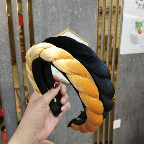 Hot-selling fashion gold velvet sponge braid Hand-woven fabric headband for women NHUX254826's discount tags