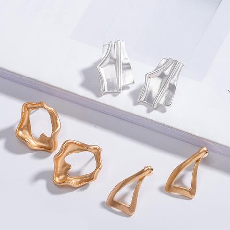 nuevos pendientes irregulares de oro mate NHAI306334's discount tags