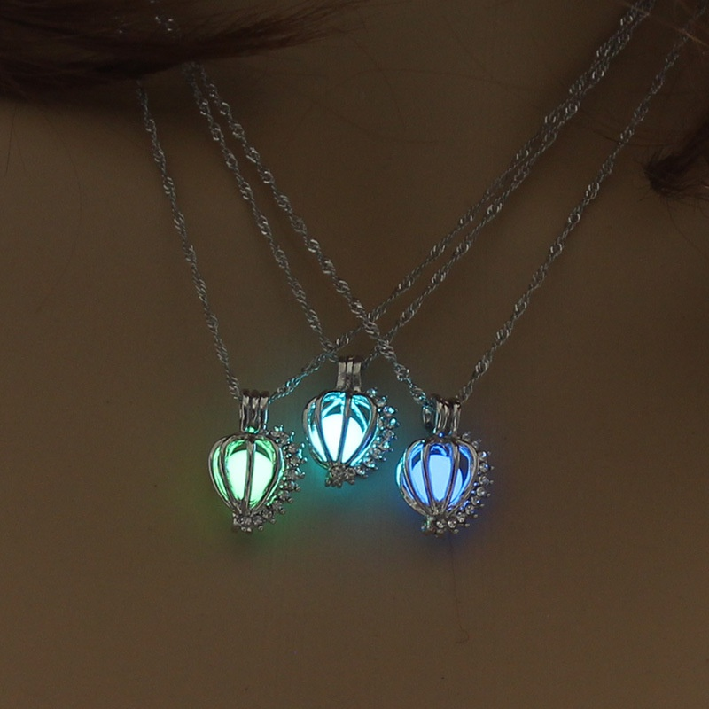 Hollow Simple Pearl Pendant Necklace  NHAN307354