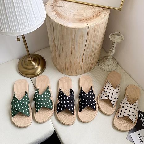 chaussures noires à imprimé croisé de mode NHPE307645's discount tags
