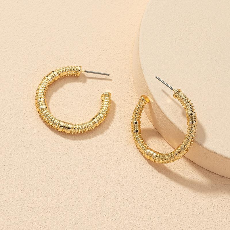 wholesale fashion C-shaped alloy earrings NHGU308079