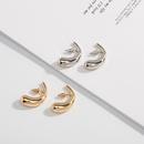 boucles d39oreilles dores en forme de lune NHAI308646