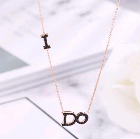 Mode coréenne hip-hop titane acier doux OL simple collier lettre DO NHSC308767's discount tags
