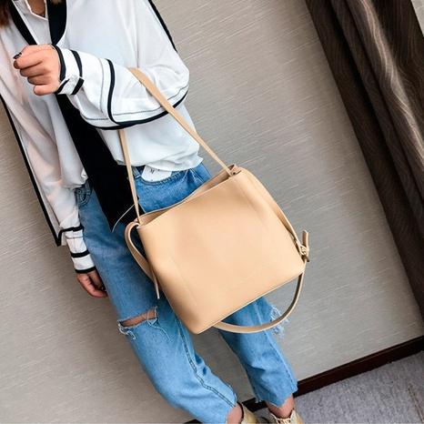 nouveau sac à bandoulière simple simple de couleur pure de mode NHRU309042's discount tags