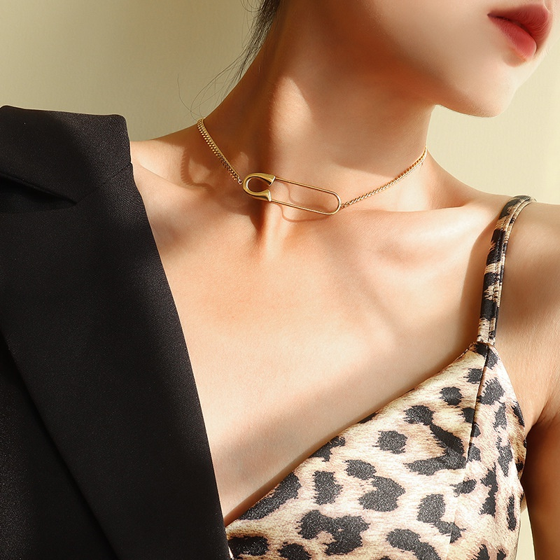 simple exaggerated big pin pendant necklace NHOK311743