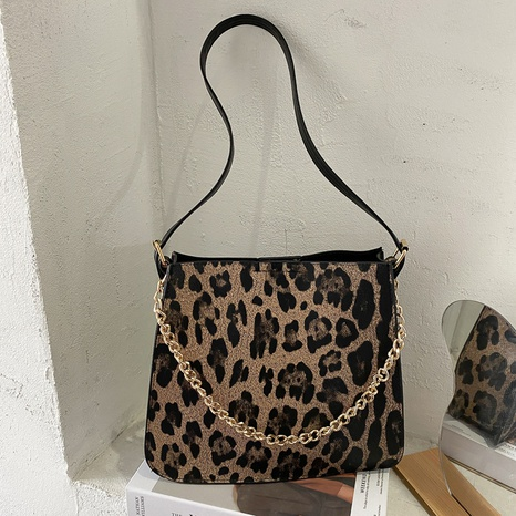 retro fashion one-shoulder underarm bag NHEX311934's discount tags