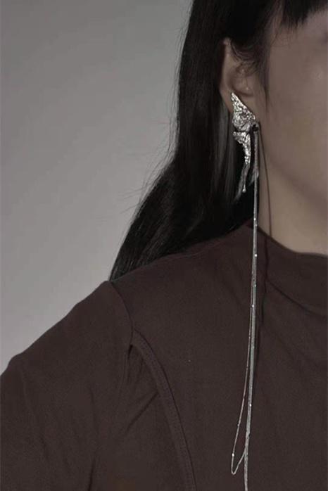aretes retro largos asimétricos con borlas de mariposa NHYQ312522's discount tags