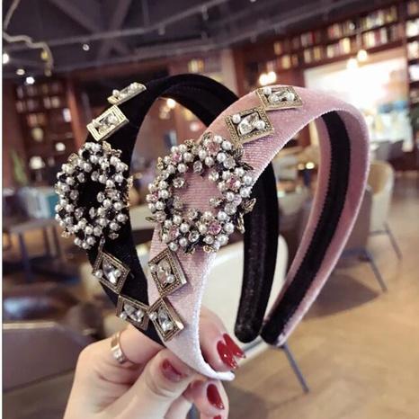 Diadema de moda de terciopelo de ala ancha con perlas de diamantes de imitación retro NHAQ312598's discount tags