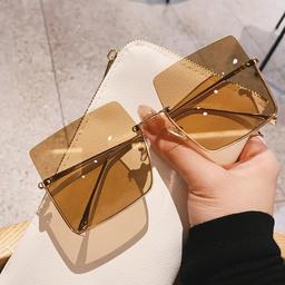 Quadratische Sonnenbrille mit Metallrahmen und großem Rahmen NHKD313352