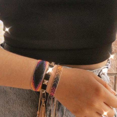Böhmisches handgewebtes lila Perlenarmband mit Farbverlauf NHGW303481's discount tags