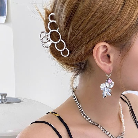 Blumenmetall Diamant Zirkon Ohrringe NHYQ304924's discount tags