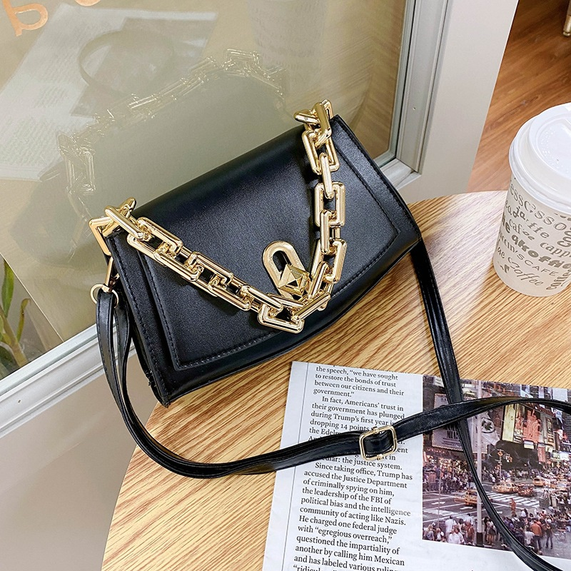 fashion chain one shoulder messenger bag  NHEX305725