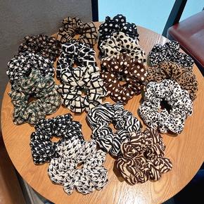 fashionable cotton linen fabric hair band temperament hair rubber band head flower hair scrunchies  NHOF441741