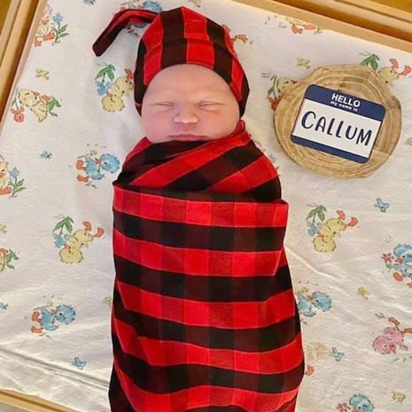 black and red plaid cloth quilt hat suit baby swaddle blanket NHWO442990's discount tags