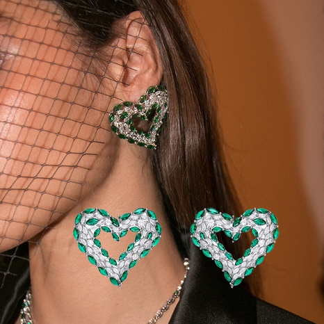 autumn and winter new luxury retro heart-shaped earrings wholesale NHZEN457897's discount tags