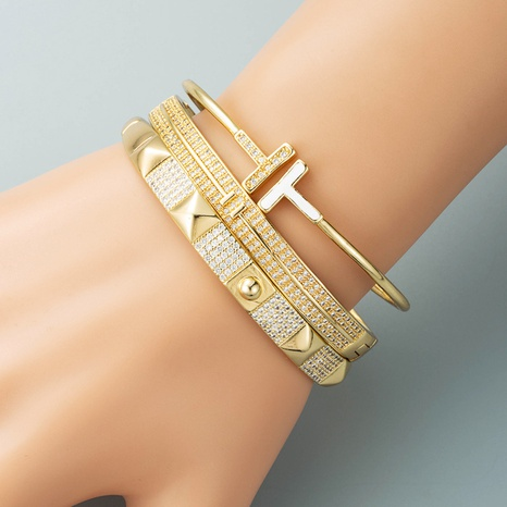 European and American cross-border copper-plated real gold inlaid zircon geometric buckle bracelet  NHLN440082's discount tags