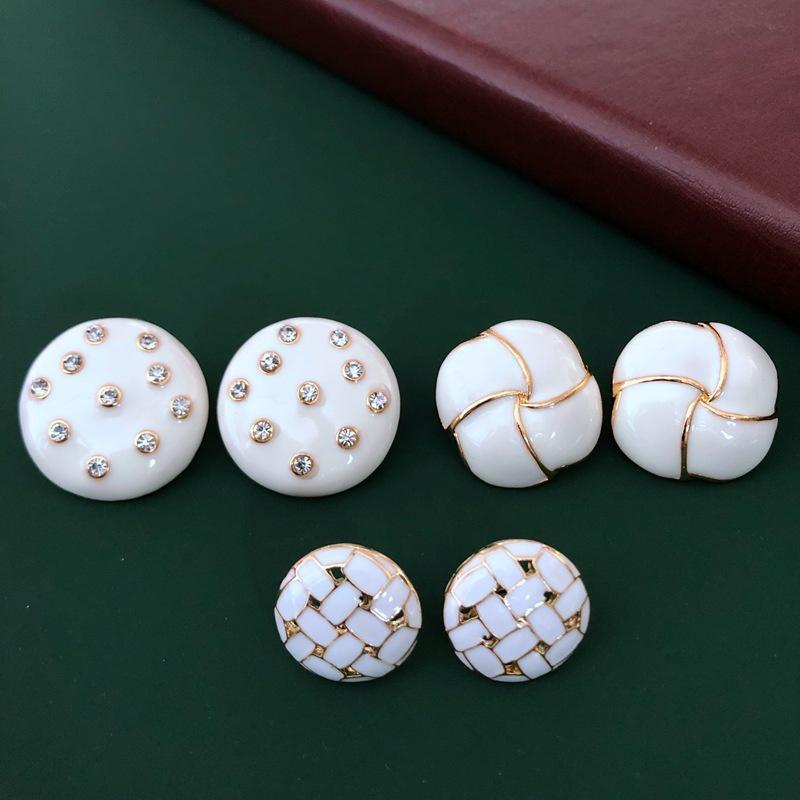 milky white glaze diamond earrings  NHOM315756