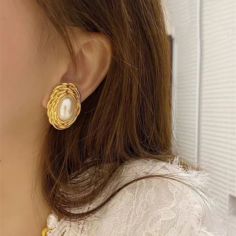 Palace style retro oval pearl earrings NHYQ315828's discount tags