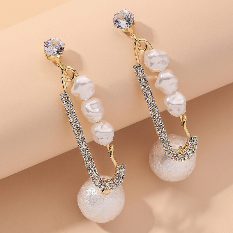 Golden Sponge Pearl Diamond Long Earrings NHNJ316546