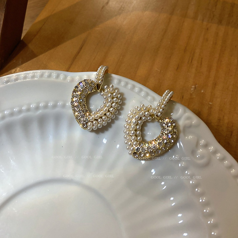 925 Silver Needle Heart-shaped Pearl Diamond Earrings  NHQC316588