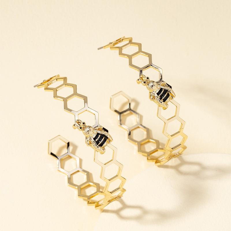 C-shaped bee fashion earrings NHQJ316734