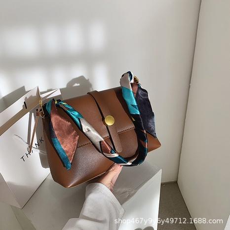 Bolso mensajero de moda con bufanda de seda NHTG318058's discount tags