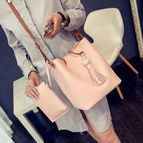 Mode Single Shoulder Bucket Bag NHXC318103's discount tags