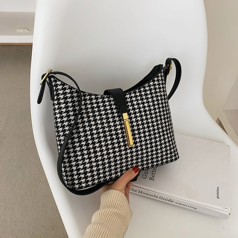 Fashion lattice messenger bag bucket bag NHTC318175's discount tags