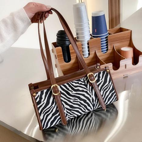 Simple fashion pattern armpit bag NHTC318181's discount tags