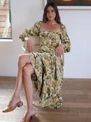Vestido de manga larga con puos elsticos en la espalda y cuello cuadrado con estampado de hojas NHAM314393