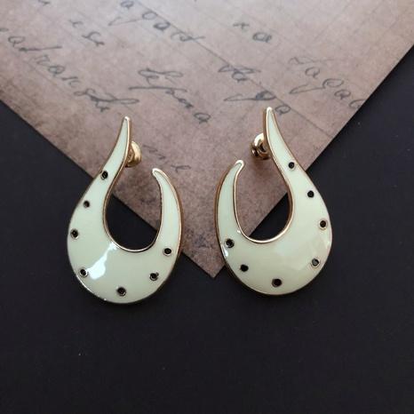 Boucles d'oreilles abstraites en forme de croissant de goutte à goutte blanc laiteux NHOM314564's discount tags