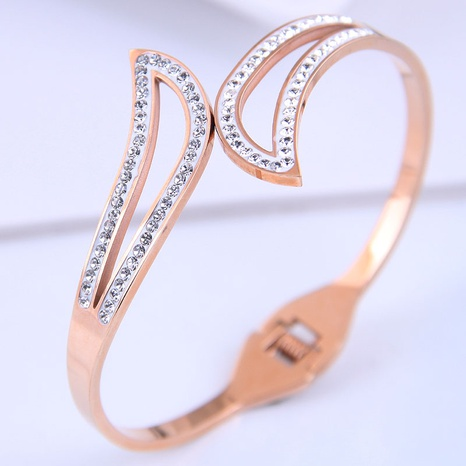 Korean fashion fashion titanium steel simple bracelet NHSC314575's discount tags