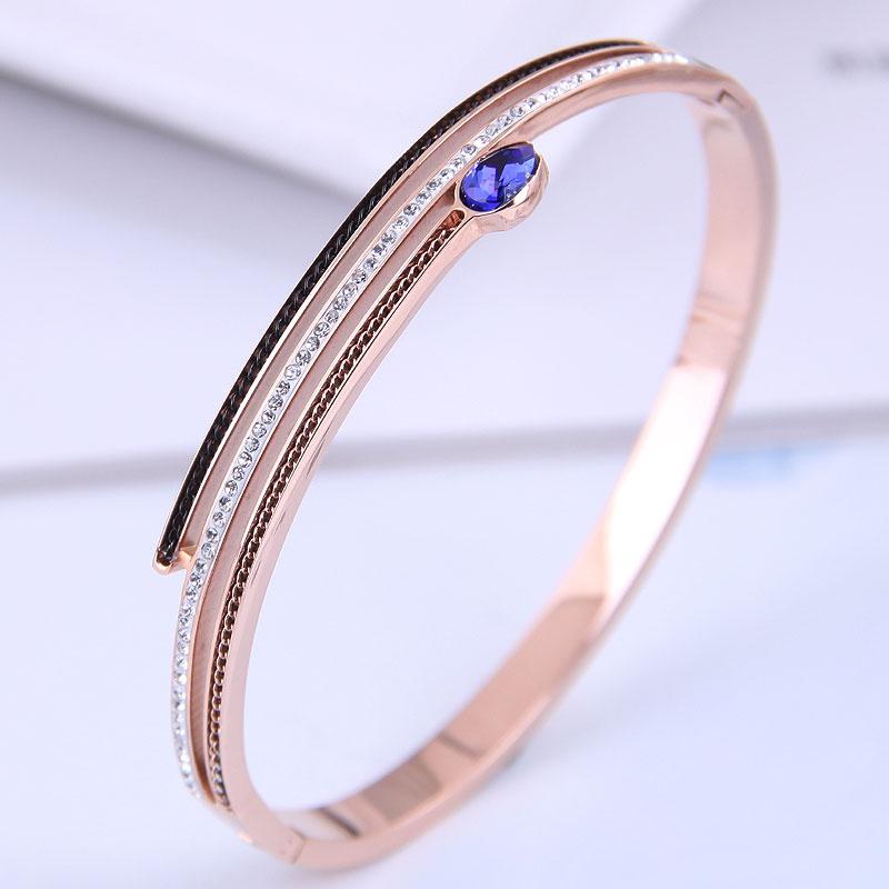 Bracelet zircon incrust simple en acier titane de mode corenne NHSC314587