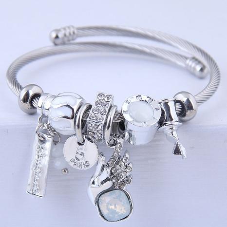 fashion DL sparkling angel wings bracelet NHSC314580's discount tags