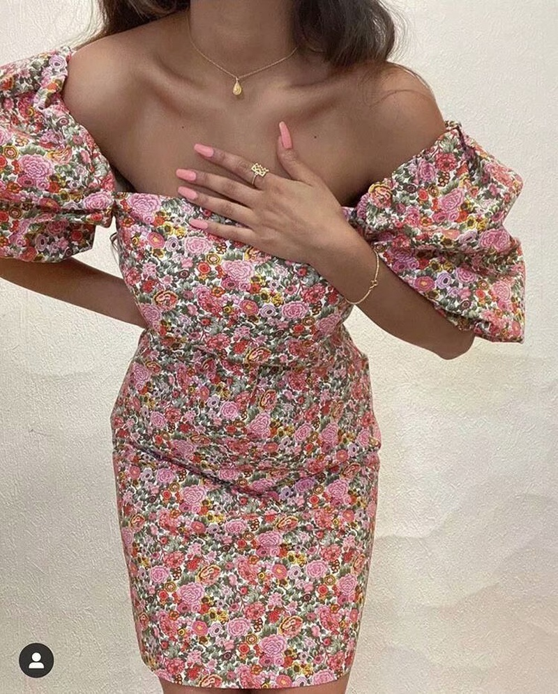 vestido de manga abullonada con flores de primavera NHAM315085
