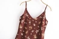Mini vestido con escote en V y estampado floral NHAM315087