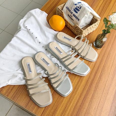 nouvelles pantoufles à bout ouvert plat en strass à bout carré de mode NHHU321913's discount tags