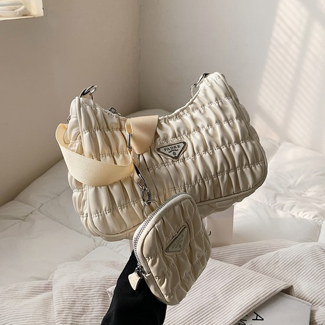 bolso de hombro impermeable con rombos NHJZ320242's discount tags