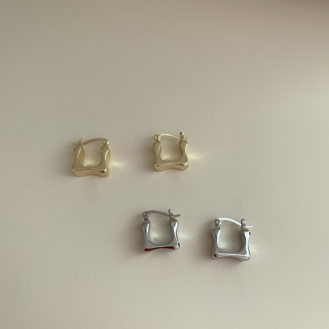 Korea mini simple metal square small earring NHYQ323415's discount tags