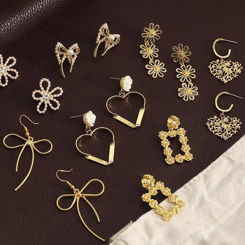 Fashion Metal Small Flower HeartShape Pearl Earrings NHNZ323619