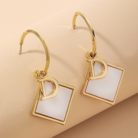 baroque shell square letter C-shaped earrings NHNJ324517's discount tags