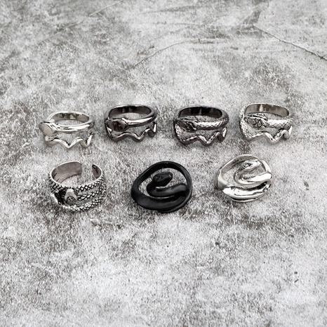 anillo retro con forma de serpiente retorcida NHGO324903's discount tags