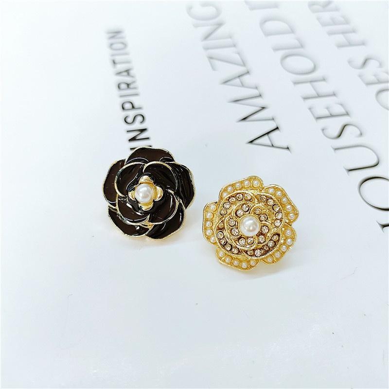Korean retro metal flower earrings NHVA324924