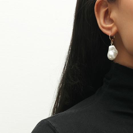 Retro-Perlenohrringe in Sonderform NHKQ318768's discount tags