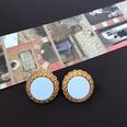 NHOM1469536-Bump-edged-white-silver-pin-stud-earrings