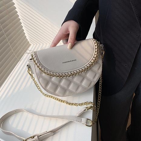 sac à bandoulière en demi-cercle à bandoulière à chaîne NHTG325792's discount tags