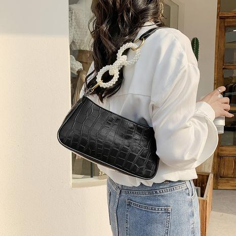 Bolsa de axila con cadena de perlas coreanas al por mayor NHLH325834's discount tags